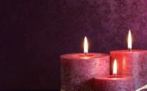 Drei Purple Kerzen